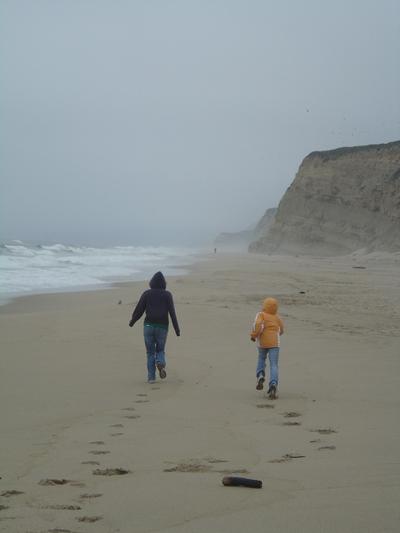 Beach_runners_31_